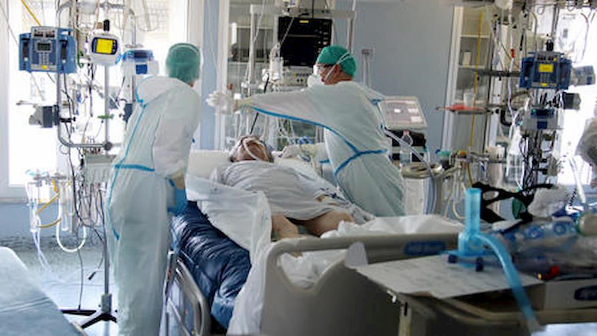 """Coronavirus, il virologo Giulio Tarro: """"Errore intubare le persone. Pronti ad un esposto"""""""