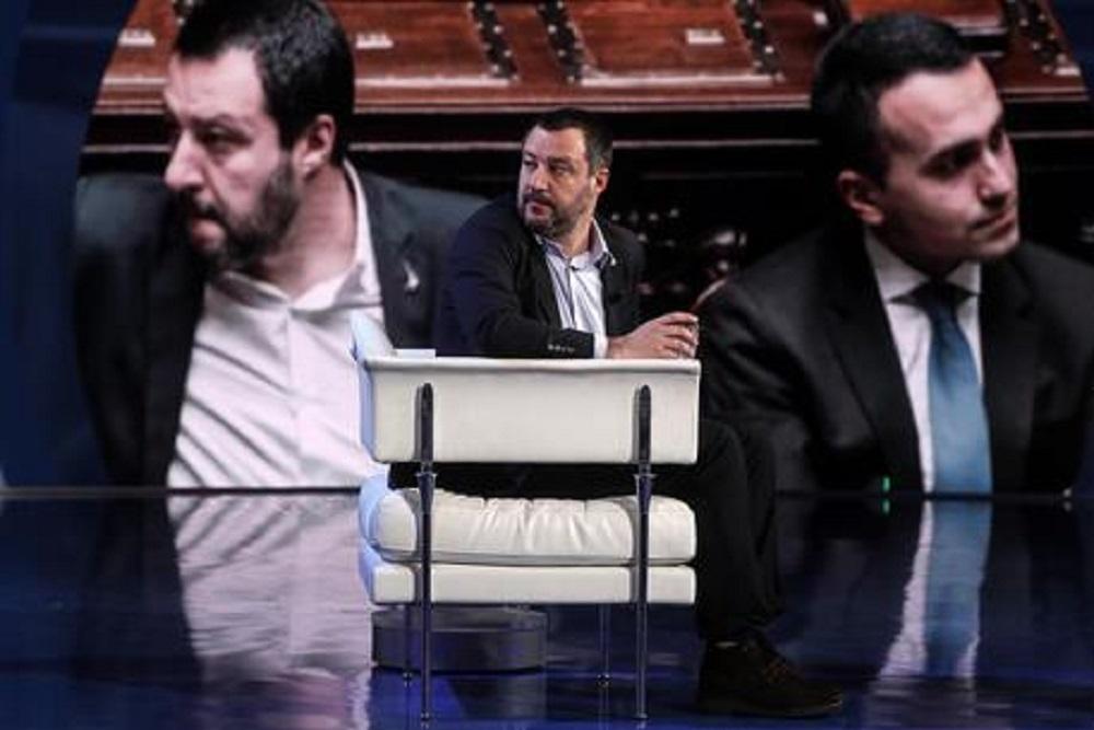 Lega e 5 Stelle, il paradosso: divisi in Italia, uniti a Bruxelles