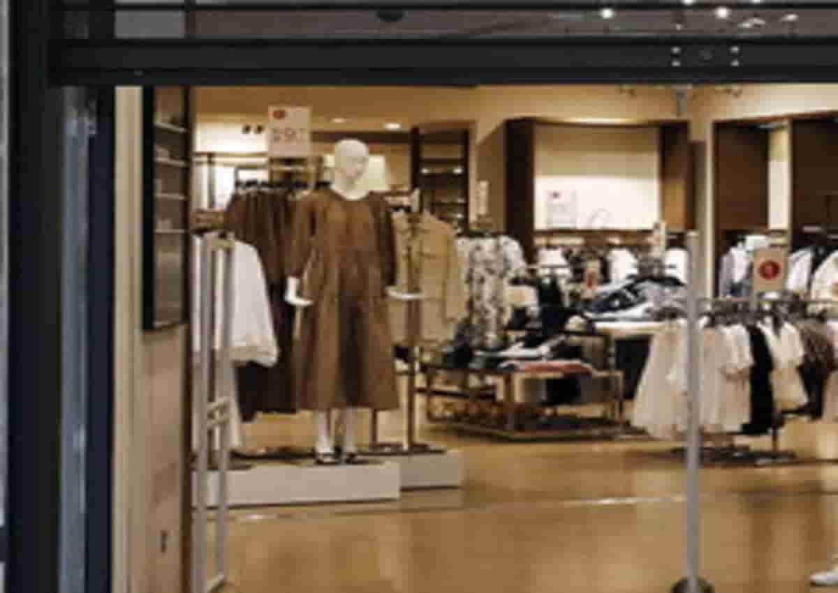 Udine, foto d'archivio Ansa di un negozio