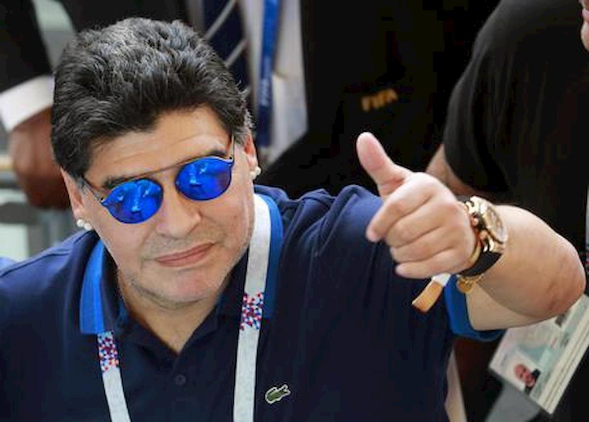 Maradona: prima auto abbandonata in un pollaio ora potrebbe valere una fortuna