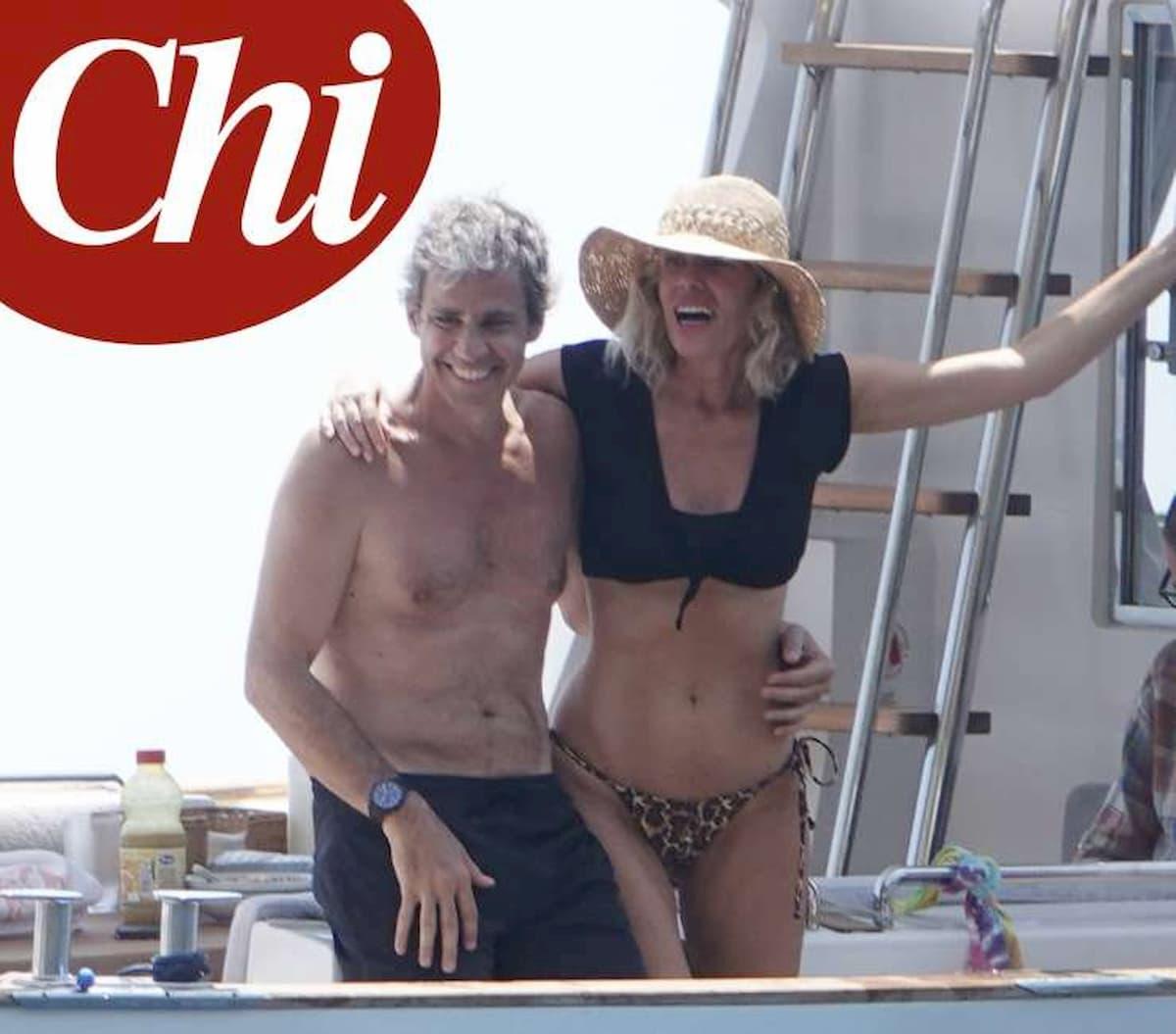Alessia Marcuzzi e il marito sono stati fotografati insieme da Chi