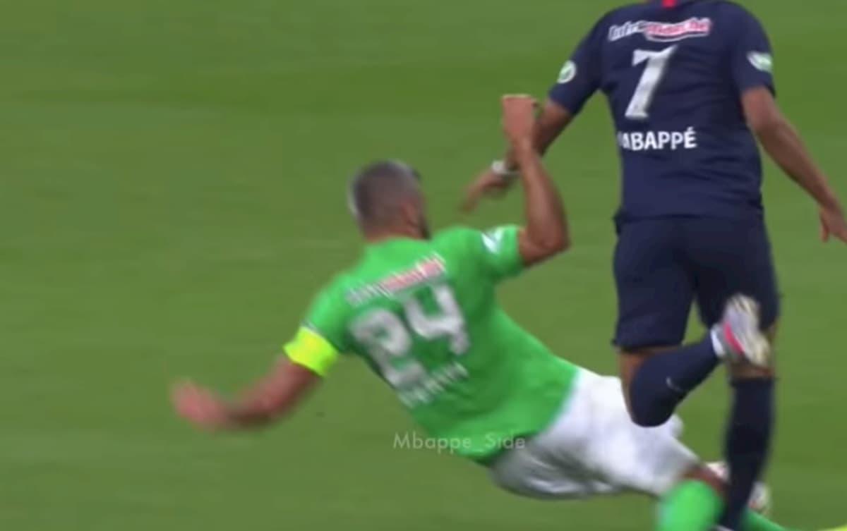 Mbappé, grave infortunio alla caviglia durante Psg-Saint-Etienne