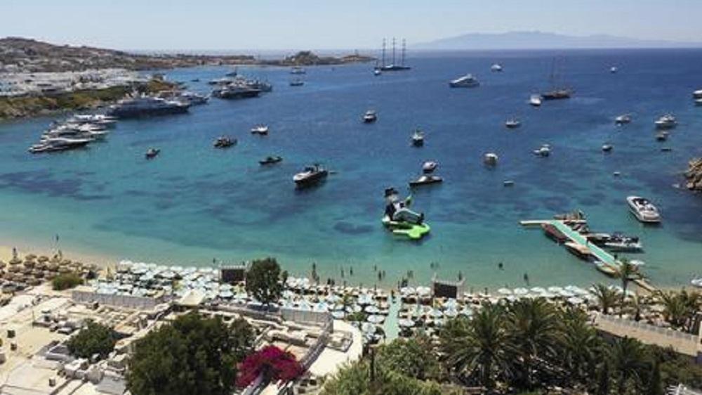 Incidente stradale a Mykonos, ragazza italiana di 18 anni muore in vacanza