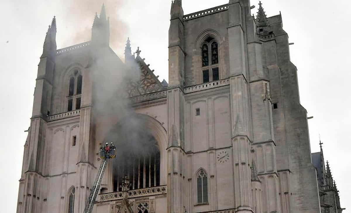 Nantes, incendio Cattedrale