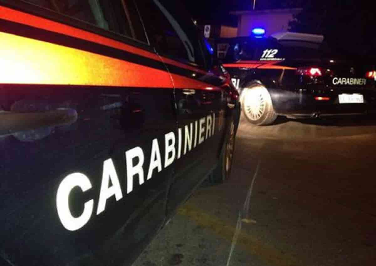Napoli, foto d'archivio Ansa di una volante dei carabinieri