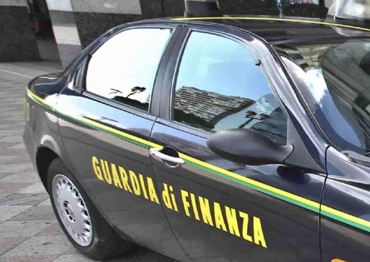 'Ndrangheta, arresti a Milano. Foto d'archivio Ansa di una volante della Finanza