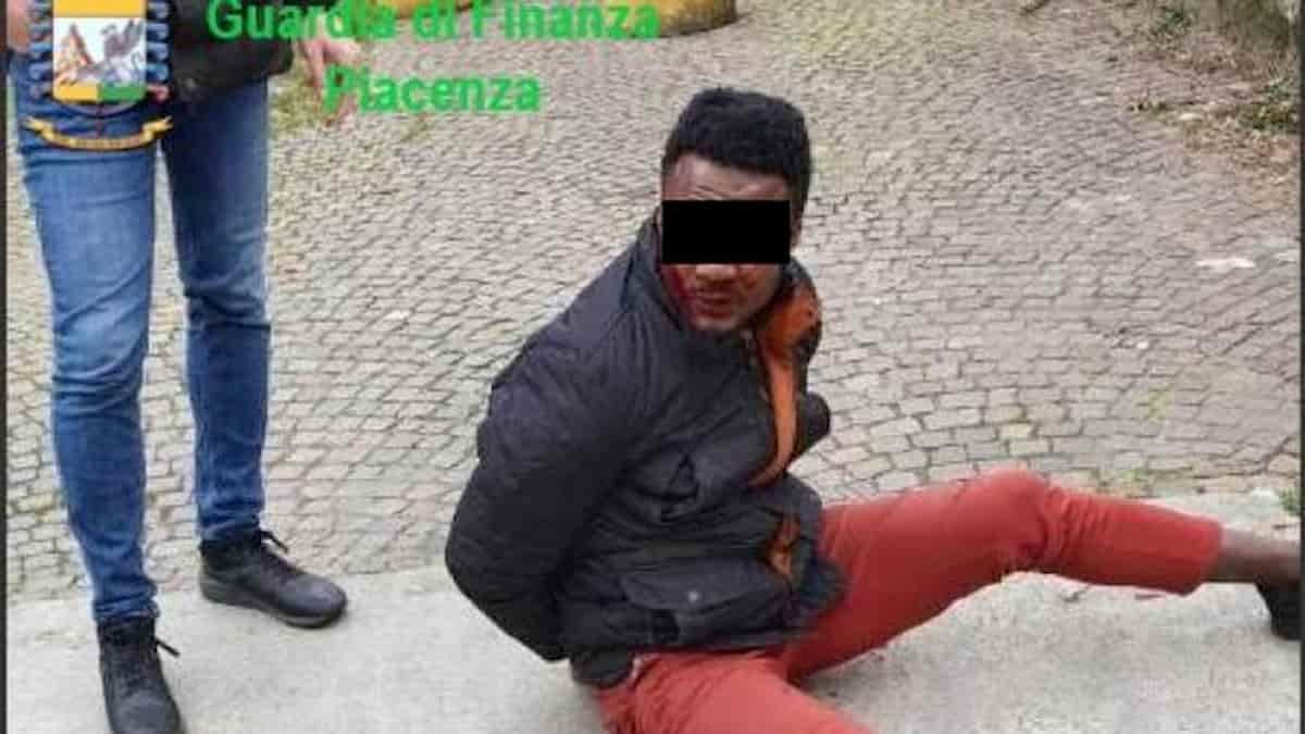Carabinieri Piacenza, nigeriano picchiato a sangue