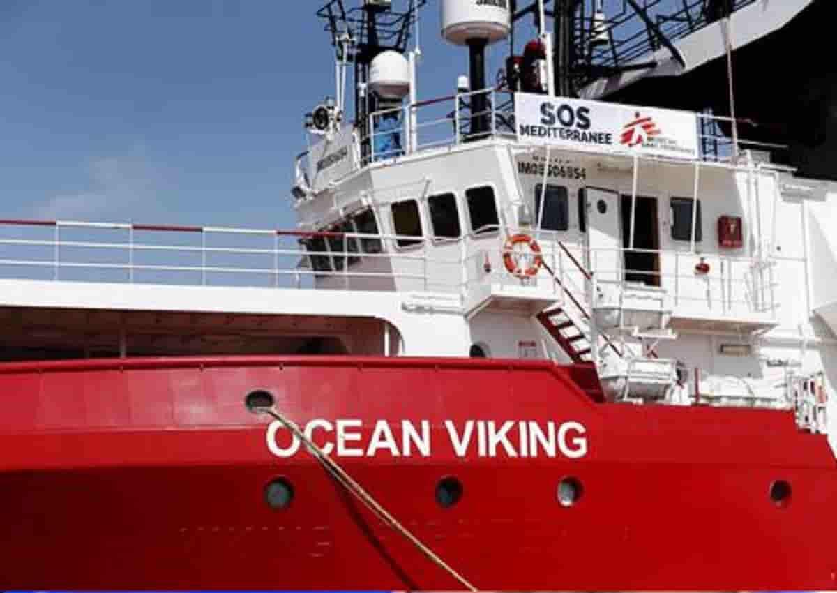 Ocean Viking, foto Ansa