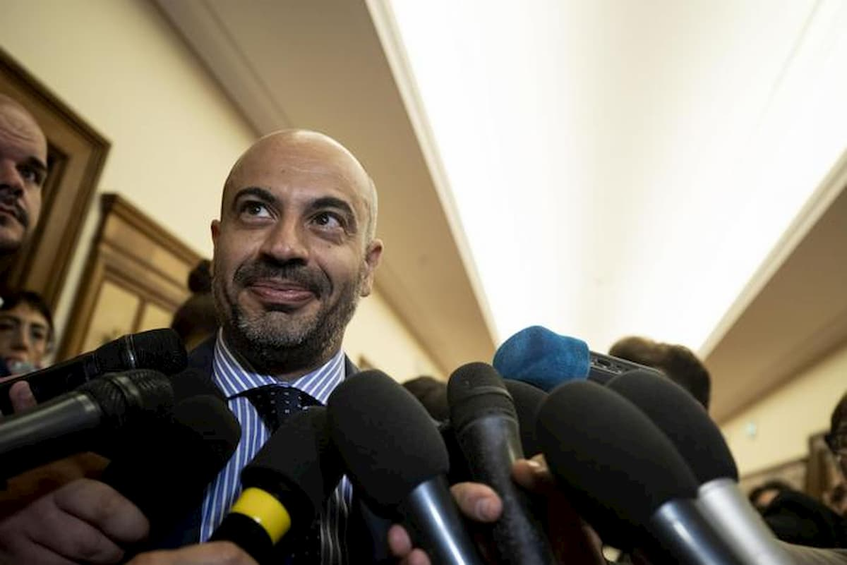 "Paragone: Italexit al 5%"""