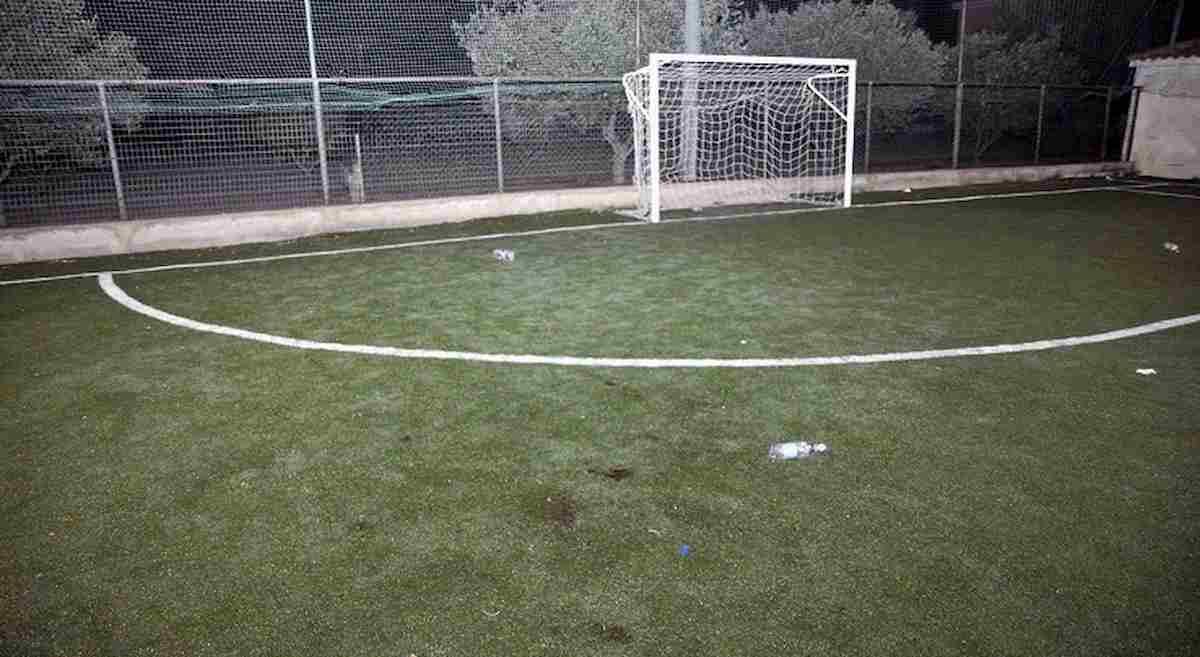 Livorno, crolla porta da calcio: grave bambina di 11 anni