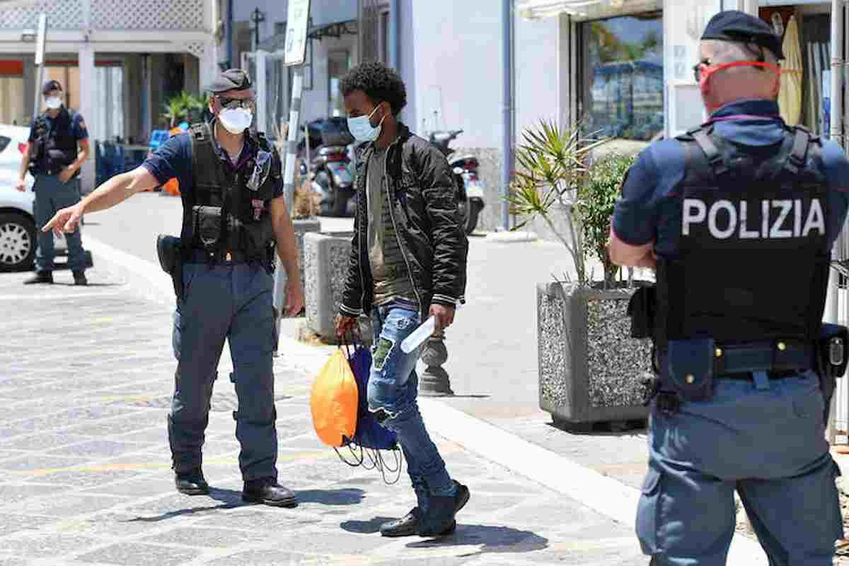 Porto Empedocle, migranti in fuga