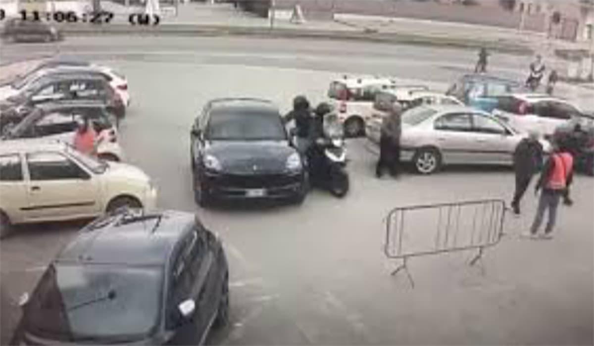 Milano, arrestate due batterie di rapinatori di Rolex
