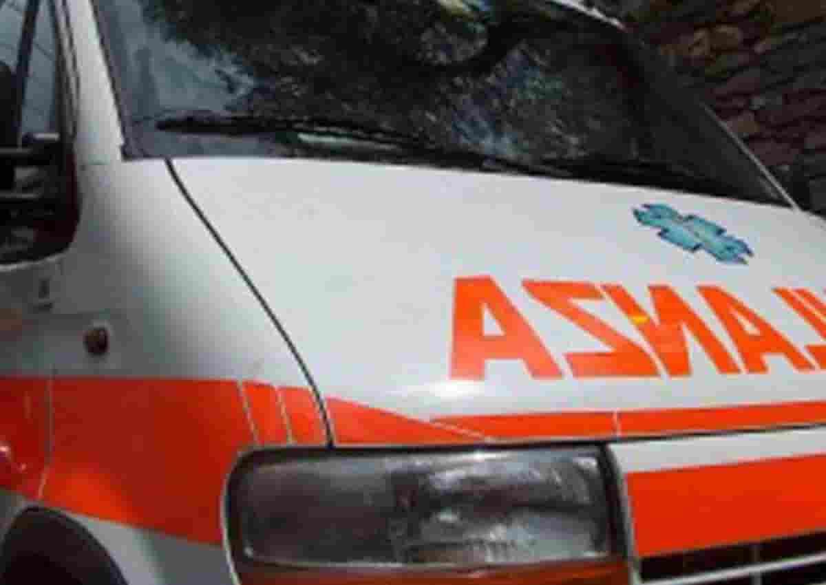 Roma, foto d'archivio Ansa di una ambulanza