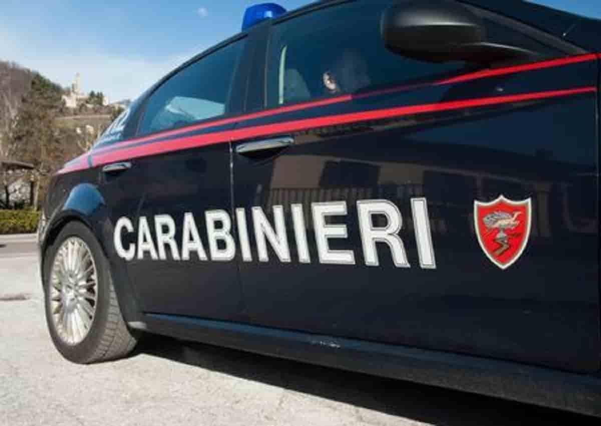 San Prospero, nella foto d'archivio Ansa una volante dei carabinieri