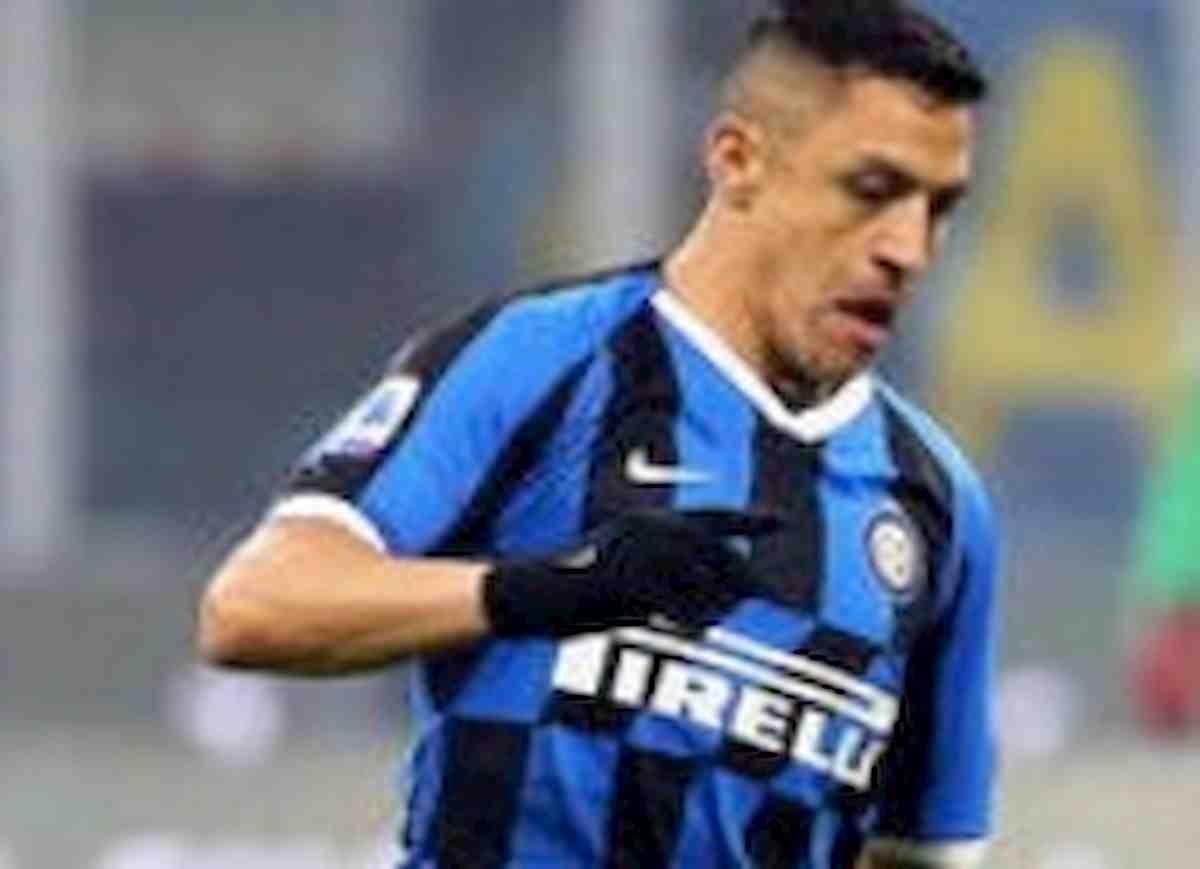 Inter-Brescia 2-0, Young e Sanchez firmano allungo