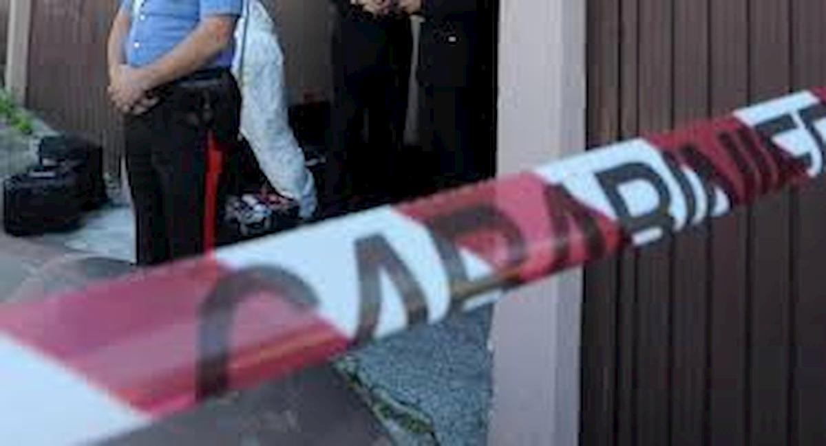 Milano, chiamano pompieri per fuga di gas: trovano una trans uccisa a coltellate in casa