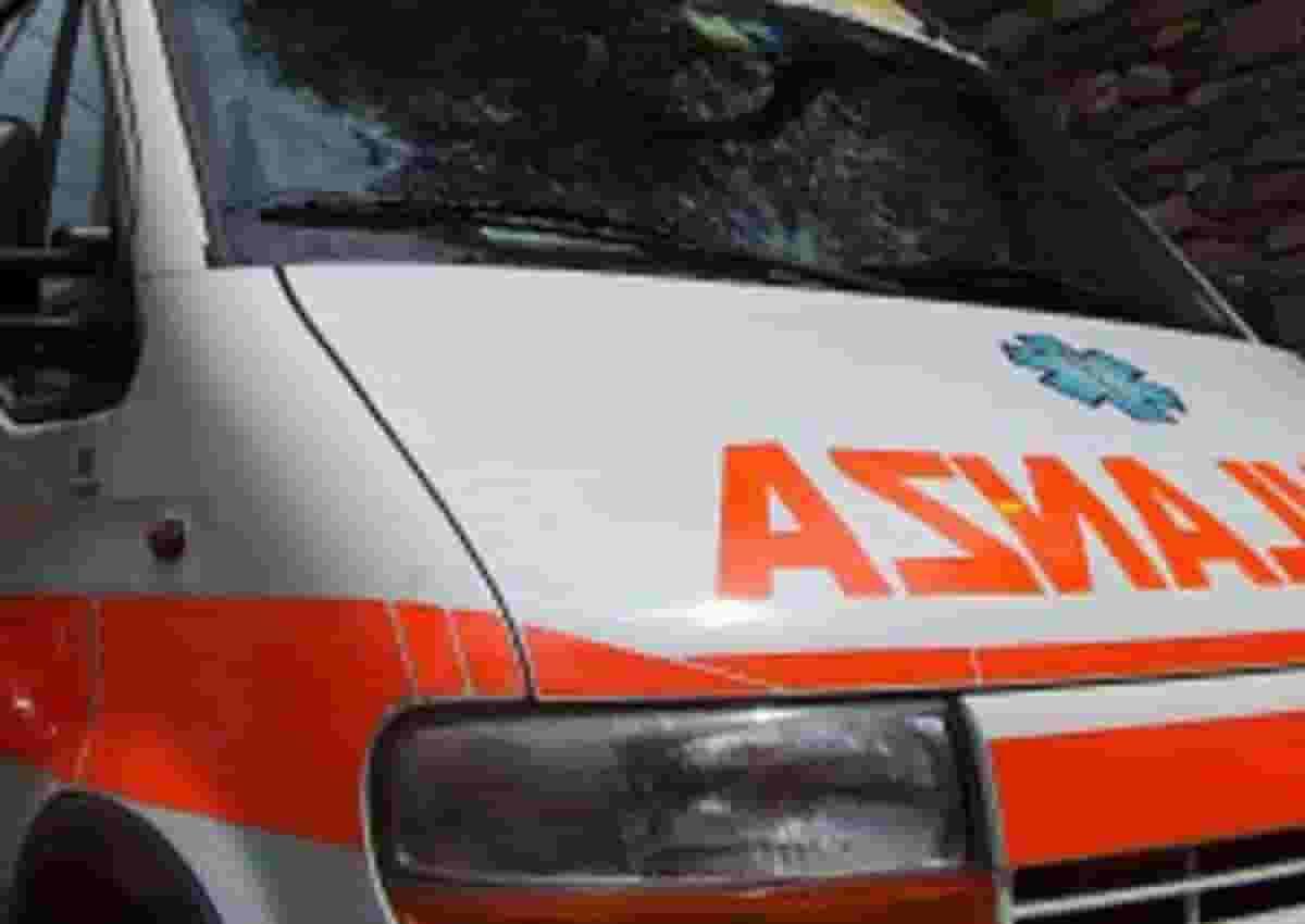 Sezze, foto d'archivio Ansa di una ambulanza