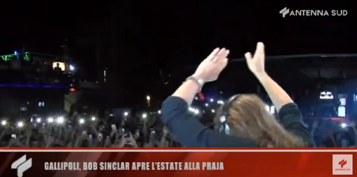 Bob Sinclar concerto a Gallipoli con 2mila persone senza distanziamento sociale VIDEO