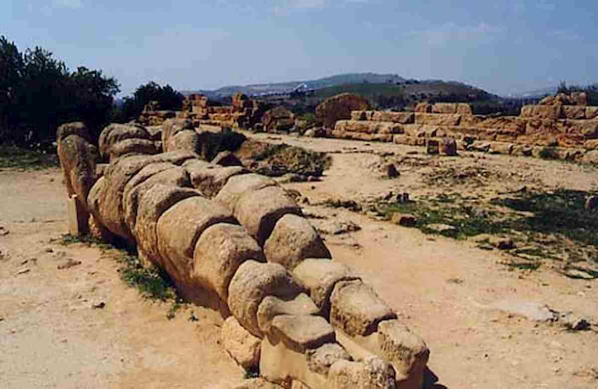 Agrigento, la gigantesca statua di Atlante tornerà in piedi davanti al Tempio di Zeus