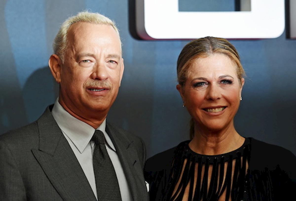 """Tom Hanks racconta il coronavirus: """"Avevo dolori paralizzanti e non mi concentravo per più di 12 minuti"""""""