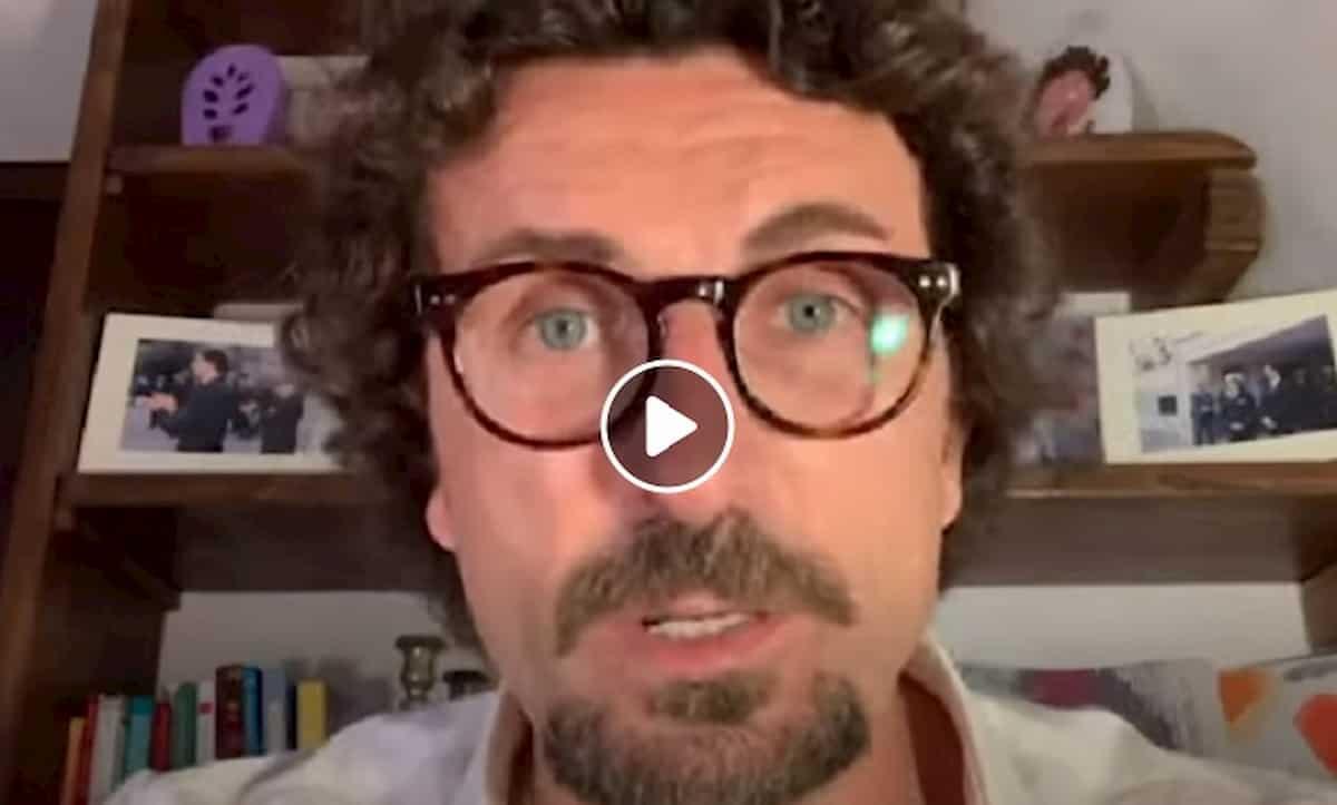 Danilo Toninelli attacca Salvini su Autostrade. E se la prende anche con la De Micheli VIDEO