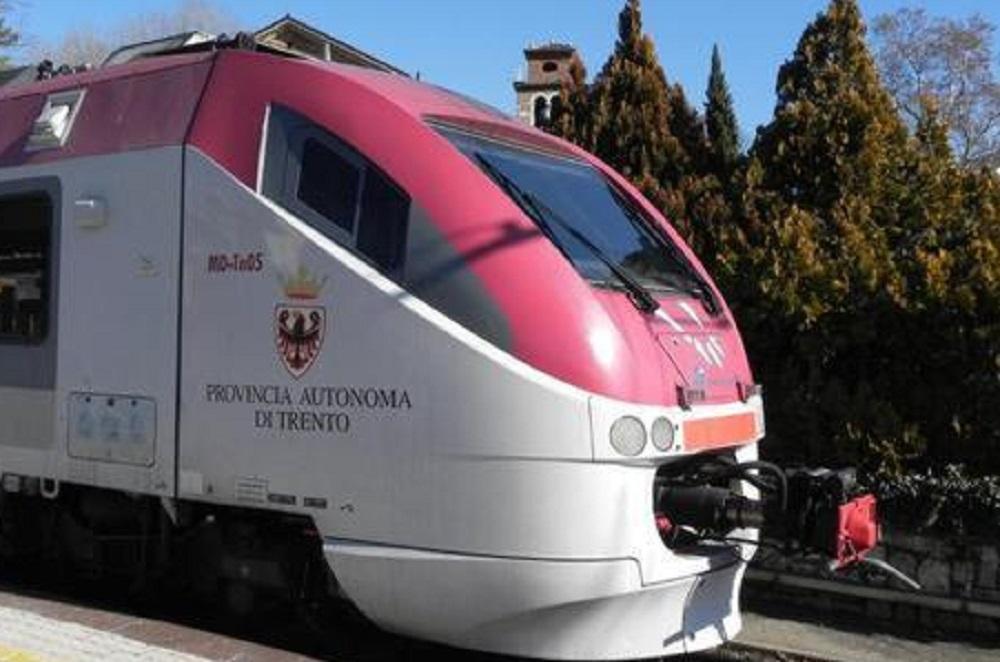 Parkour sul treno in corsa, ragazzo di 20 anni muore sulla Valsugana Trento-Primolano