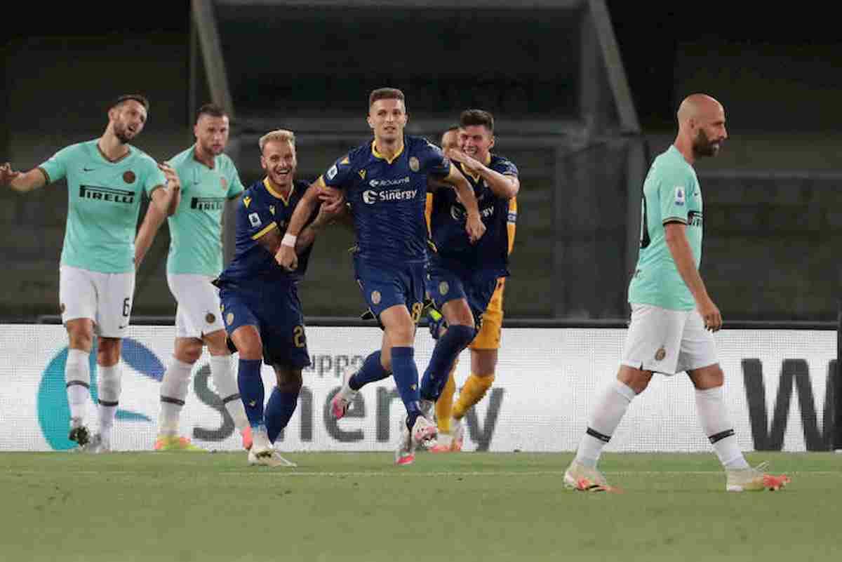 Inter, altro che scudetto: pareggia 2-2 a Verona e viene superato anche Atalanta