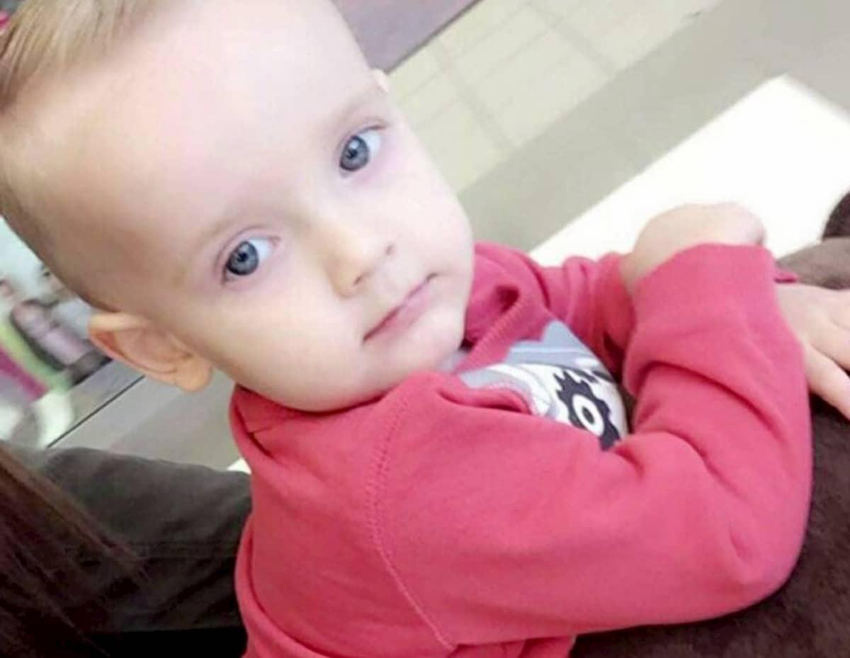 Bimbo di 2 anni trovato morto accanto alla sua culla