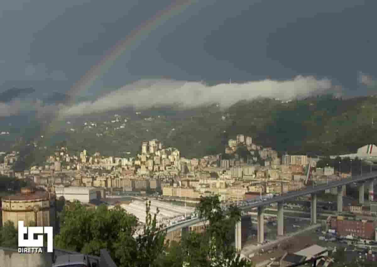 Ponte di Genova, spunta arcobaleno durante l'inaugurazione