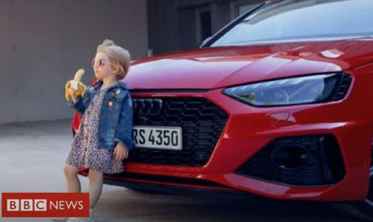 Audi spot, bambina e banana non si può. Sessuofobia si riprende Occidente