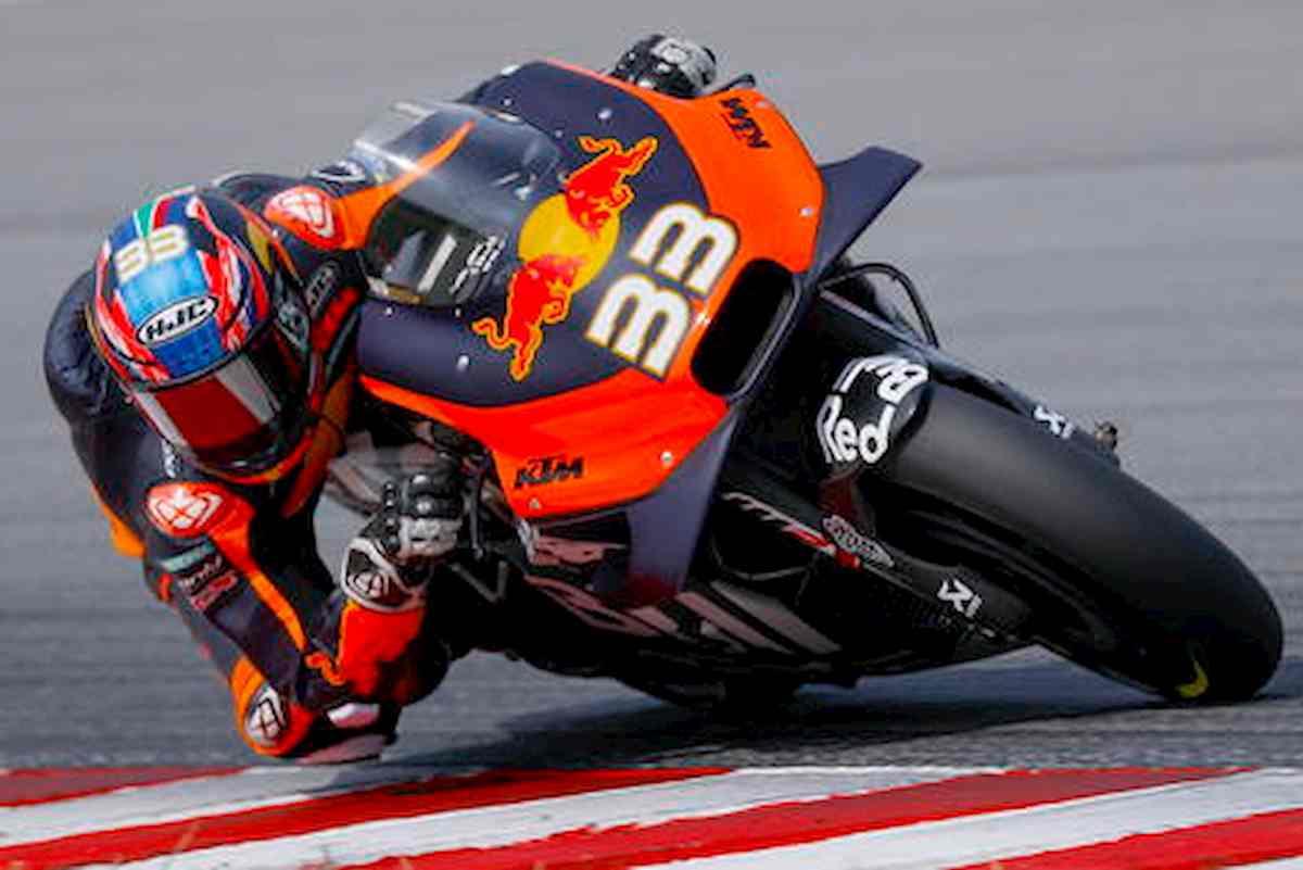 MotoGp Brno, vince Binder su KTM. Secondo Morbidelli, poi Zarco. Valentino Rossi quinto