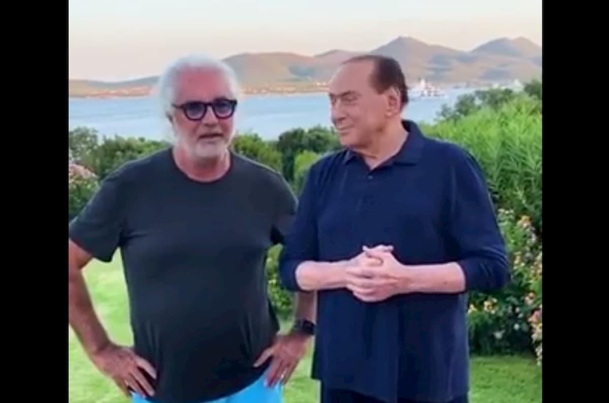 """Silvio Berlusconi, invito in villa a """"maledizione smeralda"""". Briatore nega ma è coda di paglia"""
