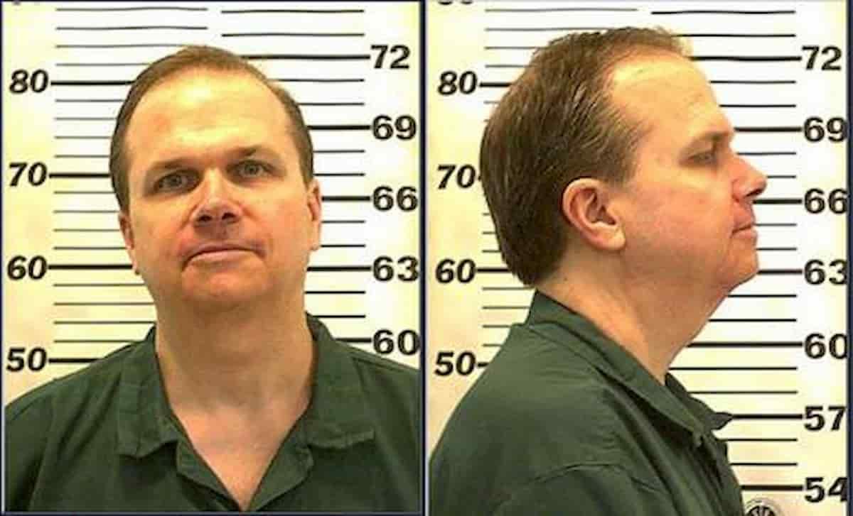 John Lennon, l'assassino resta in carcere