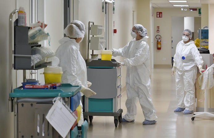 Coronavirus bollettino 8 agosto: calano i contagi e aumentano i morti