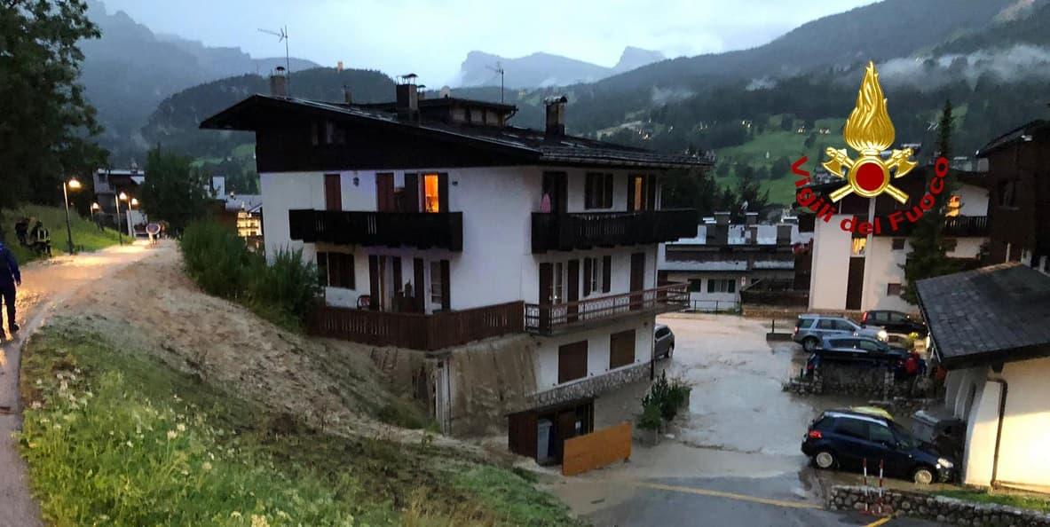 Bomba d'acqua a Cortina, strade come fiumi e cascate di fango VIDEO