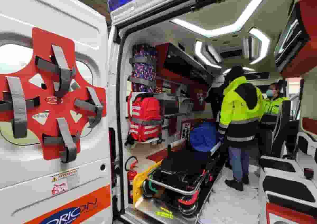 Crema, foto Ansa di un'ambulanza