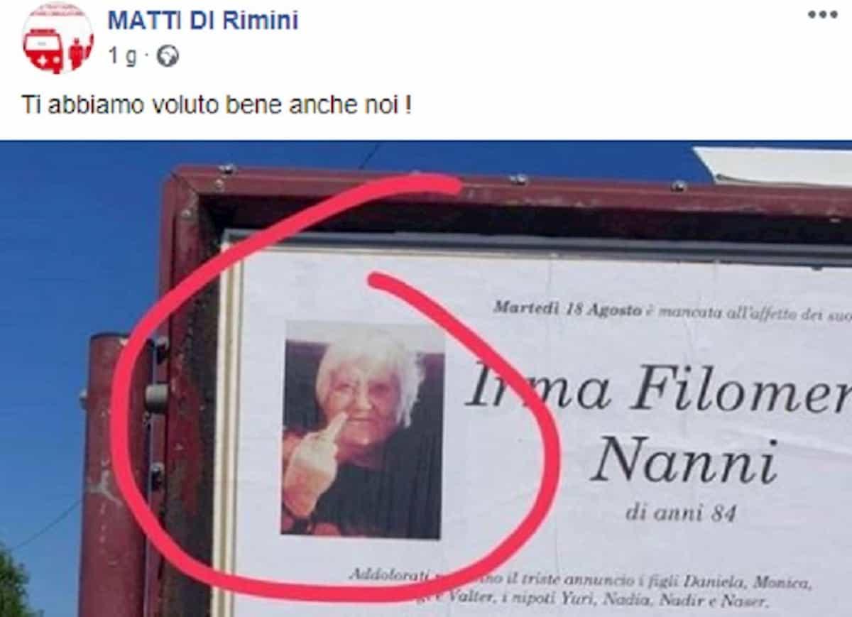 Defunta con dito medio: il manifesto funebre apparso vicino Rimini FOTO