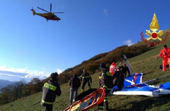 Deltaplano precipita a Marina di Modica (Ragusa): pilota morto carbonizzato