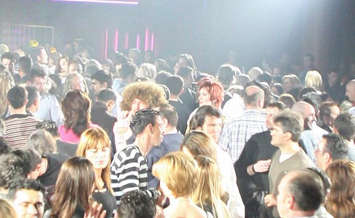 una discoteca, foto Ansa