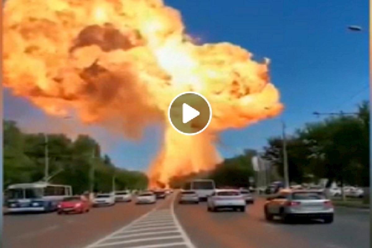 Esplode deposito di benzina in Russia