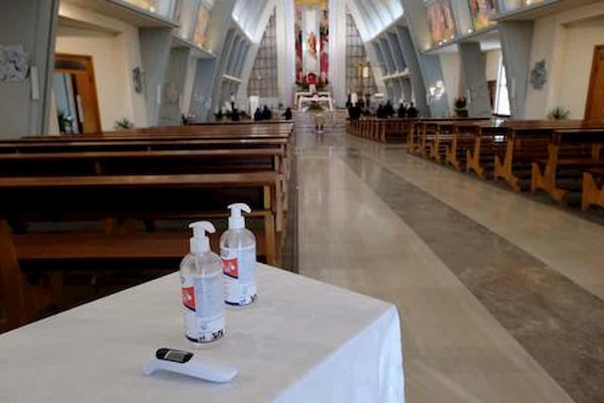 San Maurizio d'Opaglio funerale chiesa