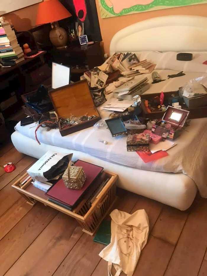 Giuliana De Sio trova la casa svaligiata al rientro dalle vacanze FOTO