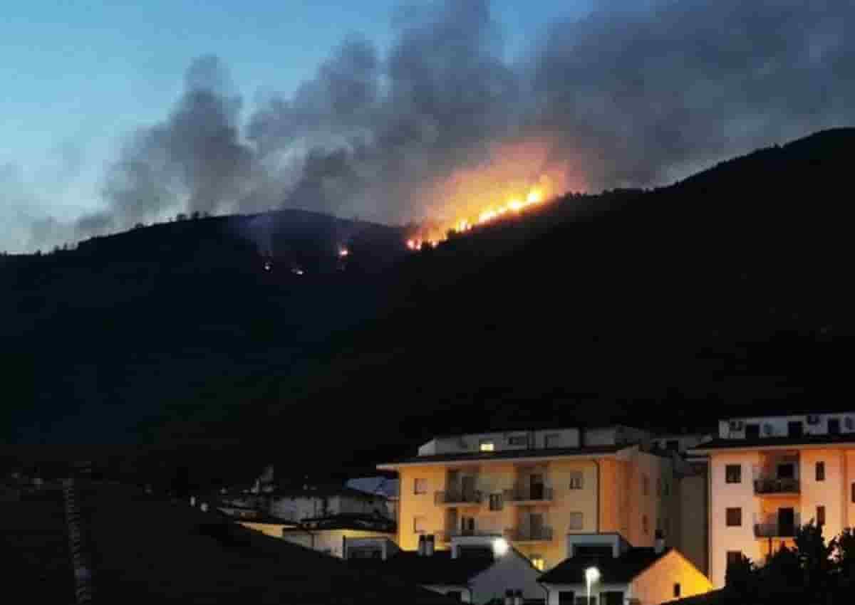 Incendi L'Aquila, foto d'archivio Ansa