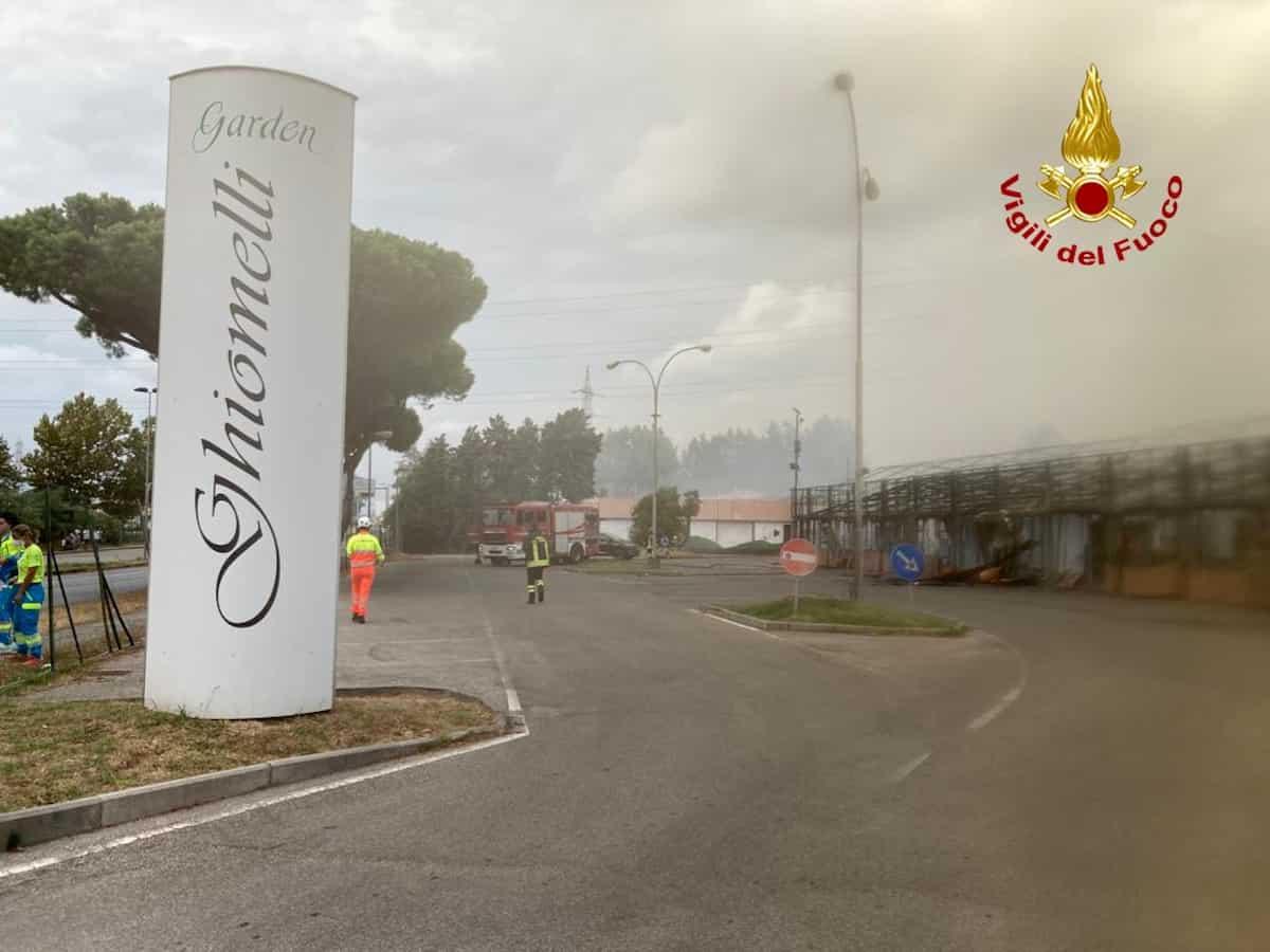 Livorno, incendio al Ghiomelli Garden