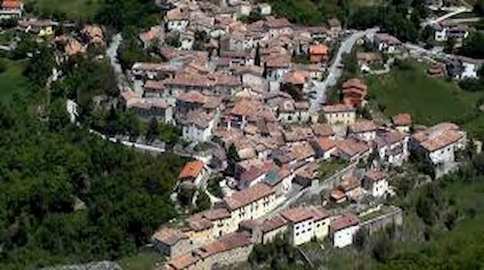 Lucoli (L'Aquila), zona rossa nella frazione di Casamaina. La prima in Abruzzo dopo il lockdown