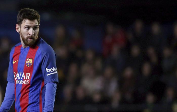 Messi via da Barcellona