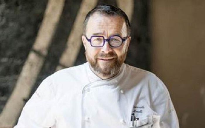 """Chef Giancarlo Morelli: """"Tornato dalla Sardegna fatto tampone. Non si sa niente da giorni"""""""