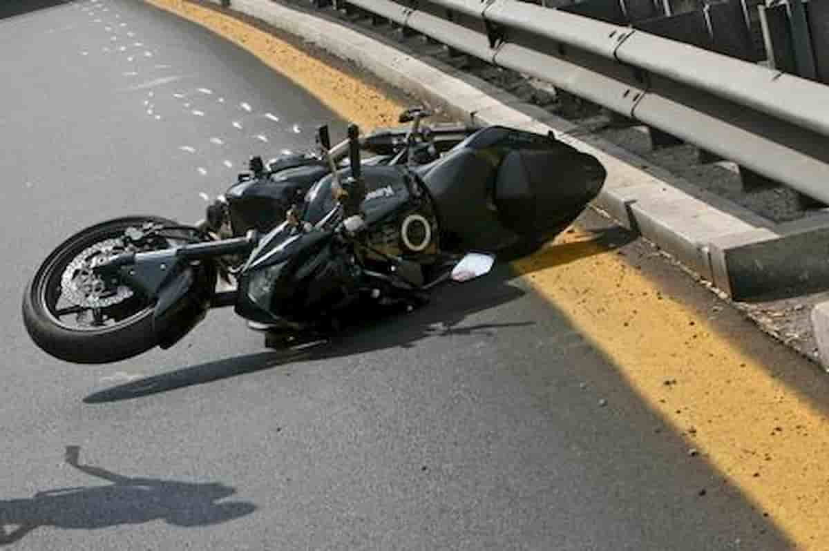 Galatone incidente moto statale 101