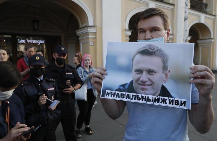 Navalny avvelenato? I medici dicono che è il metabilismo