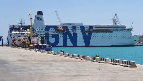 Traghetto Gnv, foto ansa